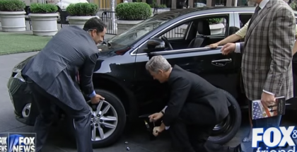 Fox News Hosts Changing Tire Fail (2)